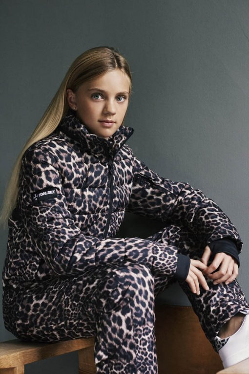 Women's-snowsuit-leopard